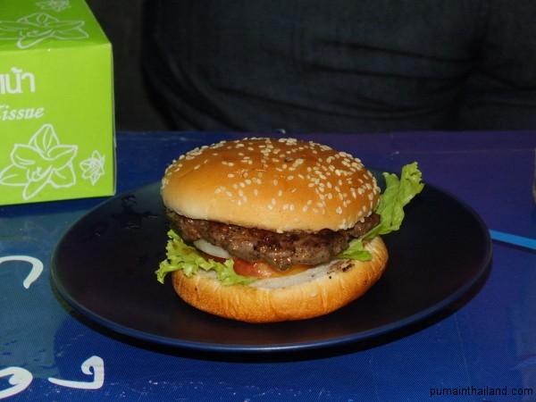 Самый вкусный бургер в Паттайе