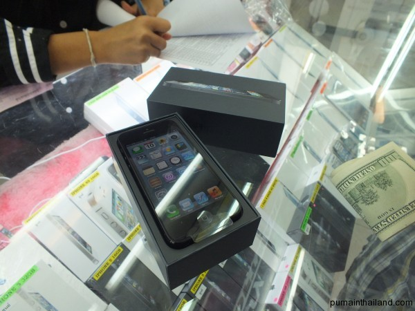 Черный iphone 5 на 32 GB в тайском Туккоме