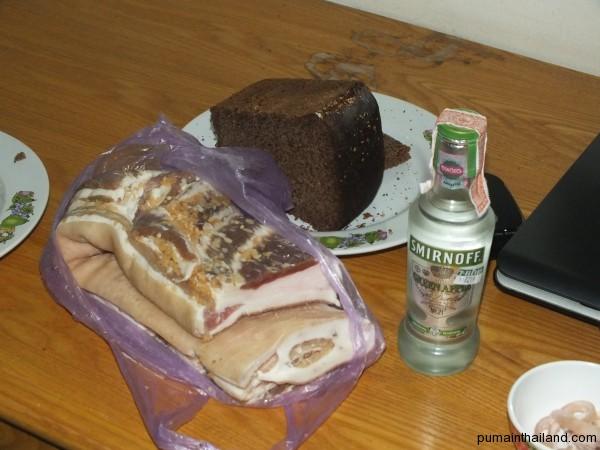 Шмат сала и черный хлеб от Алексея