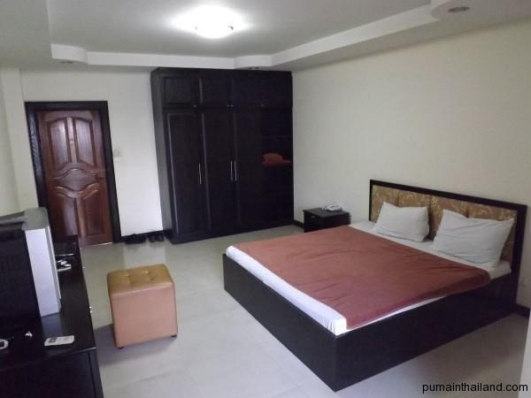 Фото для оценки размеров комнаты.