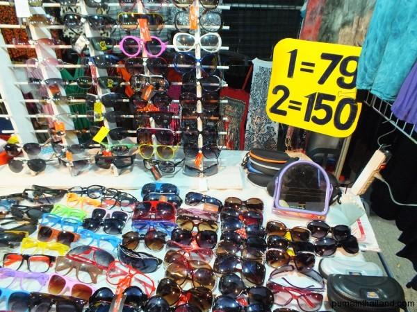 Ну и солнечные очки от 79 бат за штуку
