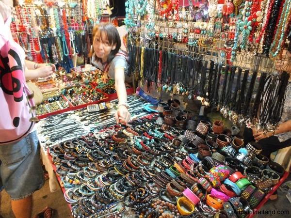 Всякая бижутерия и украшения для девочек