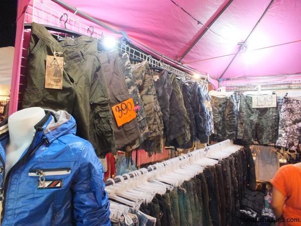 Ещё на ночном рынке Паттайи можно прикупить за дешево классные шорты