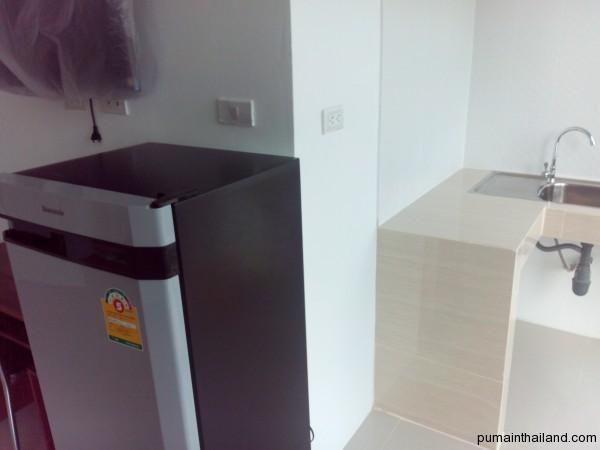 Телевизор, холодильник, раковина