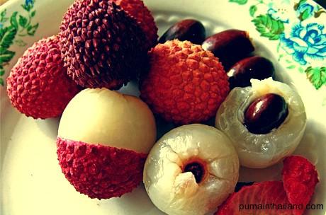 Довольно редкий фрукт, доступный только в сезон